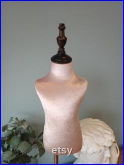 2 years-old kids mannequin, baby mannequin, presentation mannequin, vintage style mannequin, interior mannequin, sewing mannequin