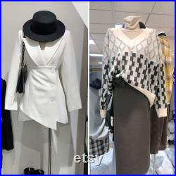 Female Half Body Fabric Mannequin,Adult Women Flat Shoulder Model Props with Flexible Wood Arms,Window Dress Form for Clothing Display